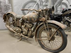 old-motocycle-andorra-300x225